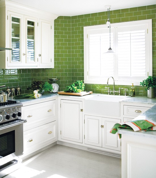 Green and white kitchen design ideas | Blog White Linen Interiors Miami